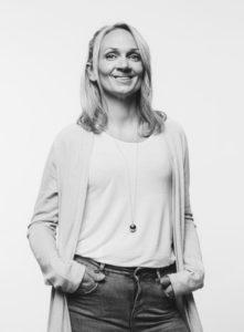 Maria Lundström Konstnärlig ledare maria.lundstrom(at)viirus.fi 050-3283355